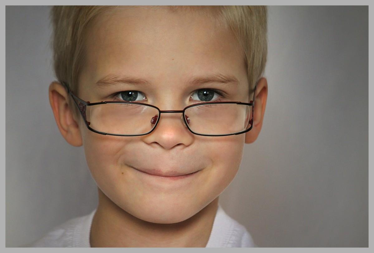 lapsi silmälasit