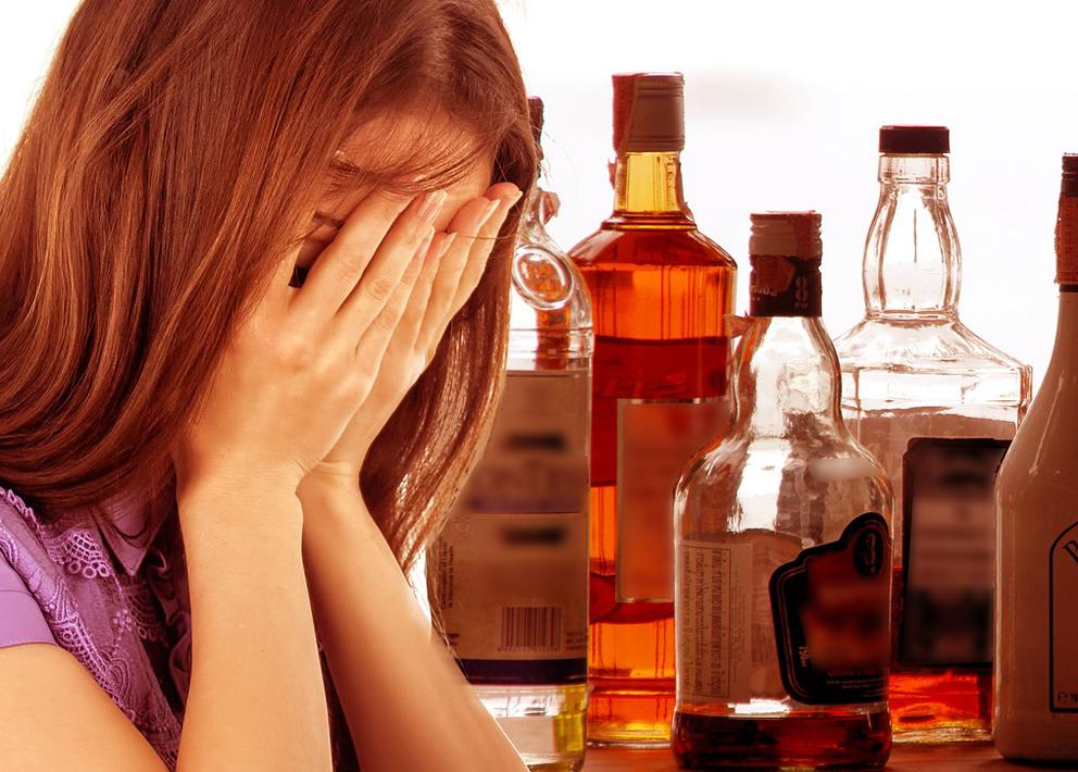 nainen alkoholi